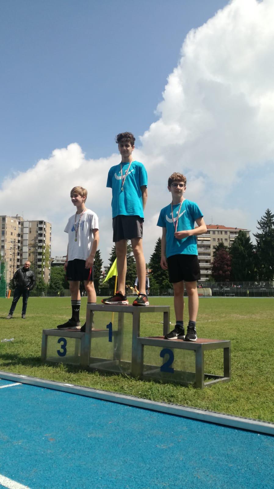 trofeo main8